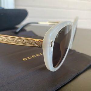 Brand new 53mm cat eye sunglasses 🕶